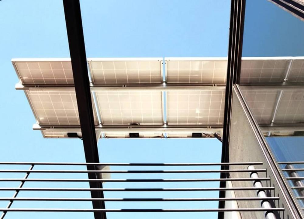Фотоволтаични панели за електрическа независимост