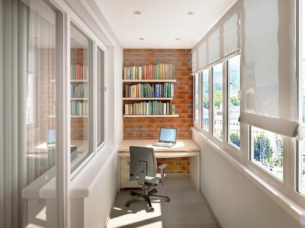 Библиотека на остъклен балкона или тераса