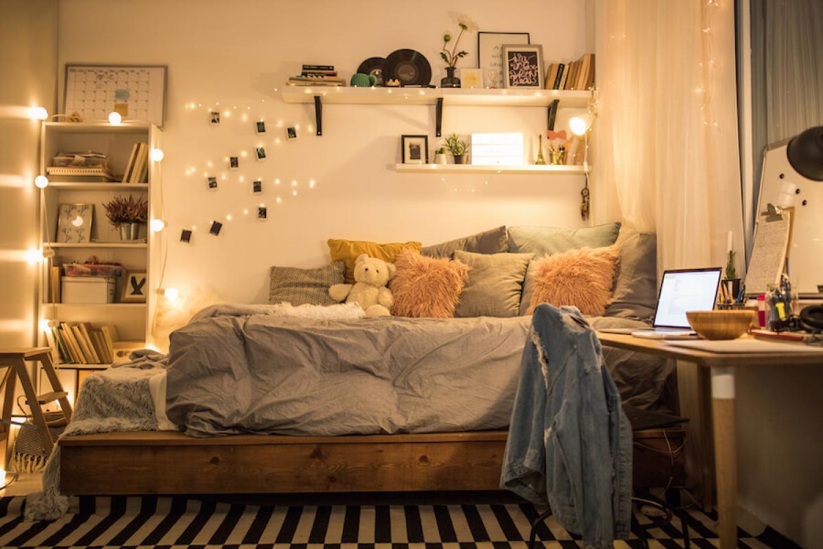 Плаващо нощно шкафче, сандък за дрехи и аксесоари