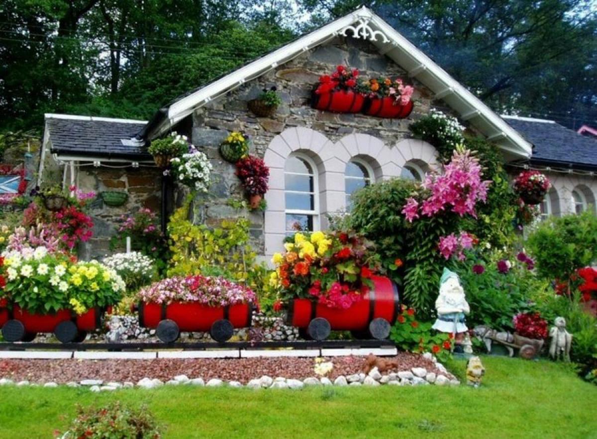 Помислете си каква градина с цветя мечтаете да имате