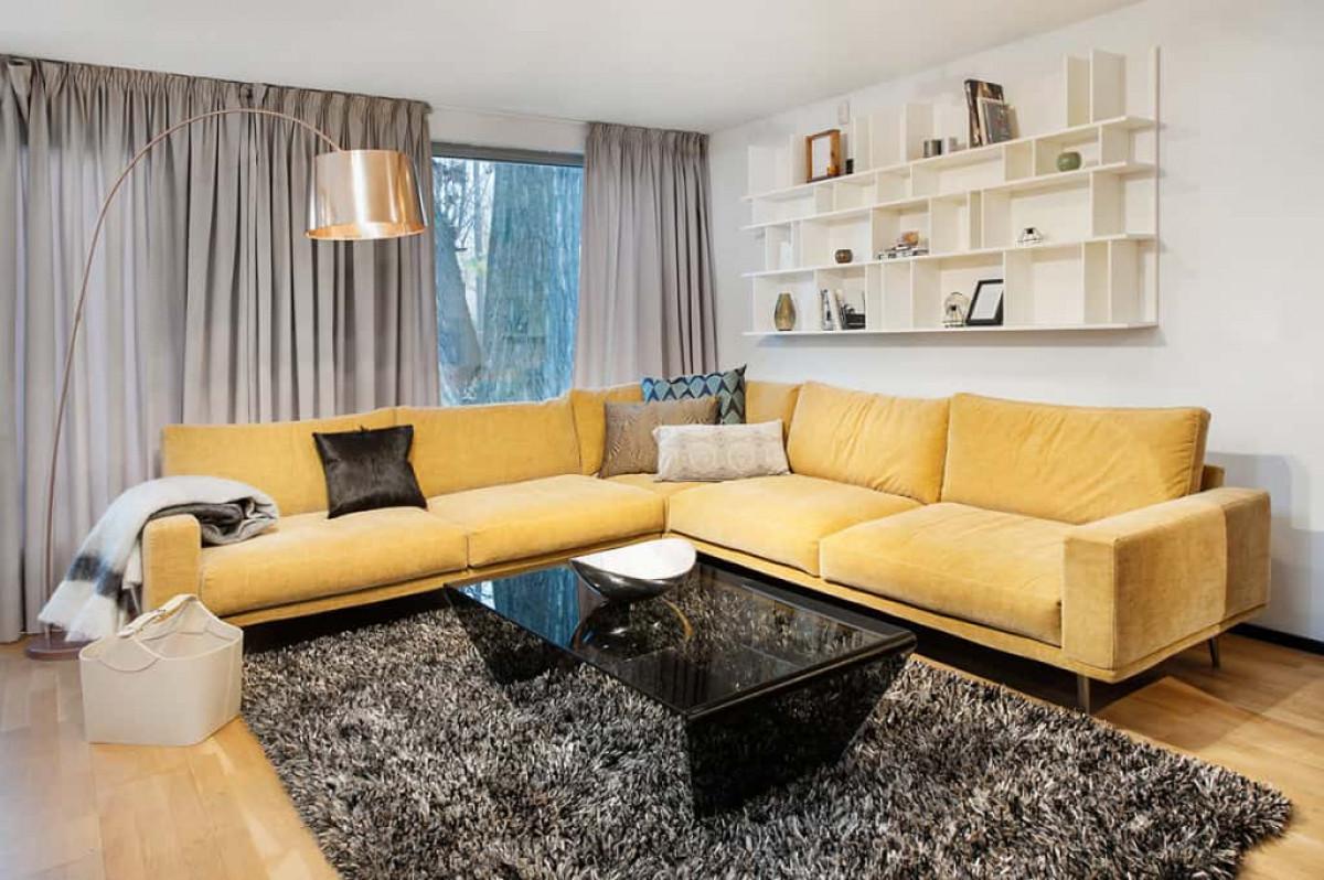 Мебели в жълто