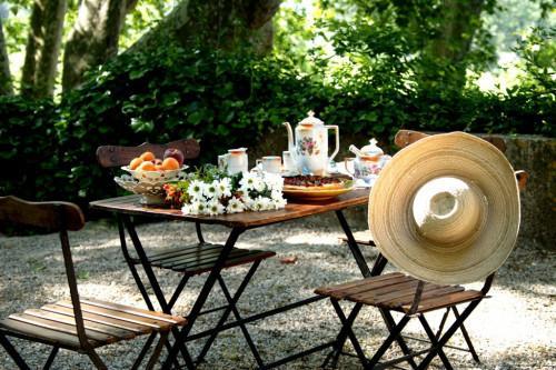 Провансалски полъх в градината