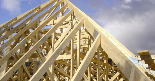 Как се прави дървена конструкция за покрив?
