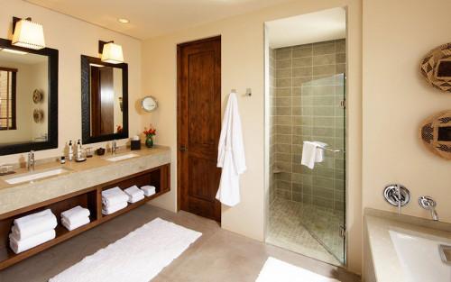 Невероятно уютна баня в неутрални тонове