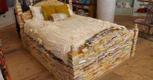 Нестандартни мебели за спалня от рециклирани суровини