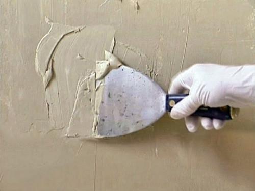 Как се шпаклова стена в 3 стъпки