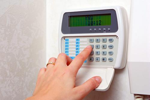 Инсталиране на аларма против крадци