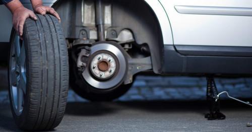 Сравнение на цени- колко струва сами да сменим гумите на колата си и да наемем изпълнител