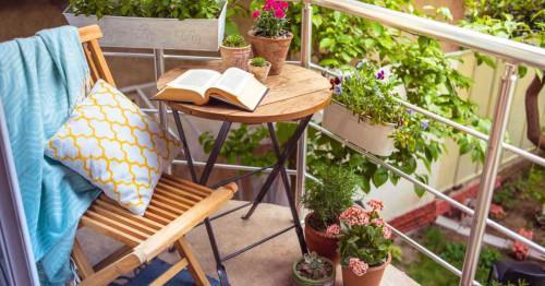 Как да превърнем малкия балкон в лайфстайл решение с нисък бюджет