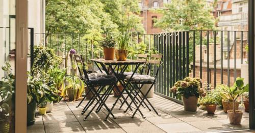 Практични идеи как да превърнете балкона на апартамента в прекрасен кът за почивка