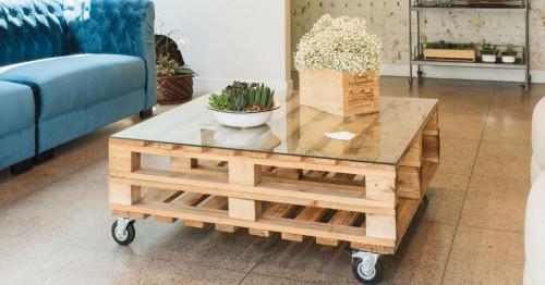 Практични мебели за съхранение, изработени от дървени палети