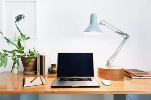 По-добро осветление в домашния офис? 5 лесни трика, които да приложите още сега!