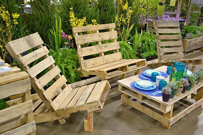 Удобни шезлонги за градина