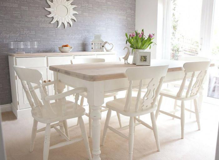 Направете столовете и масите със състарен ефект