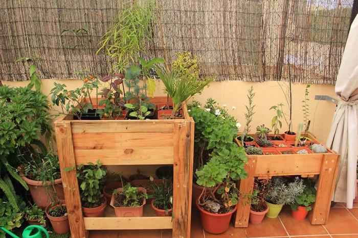 Превърнете малкия балкон в китна градина