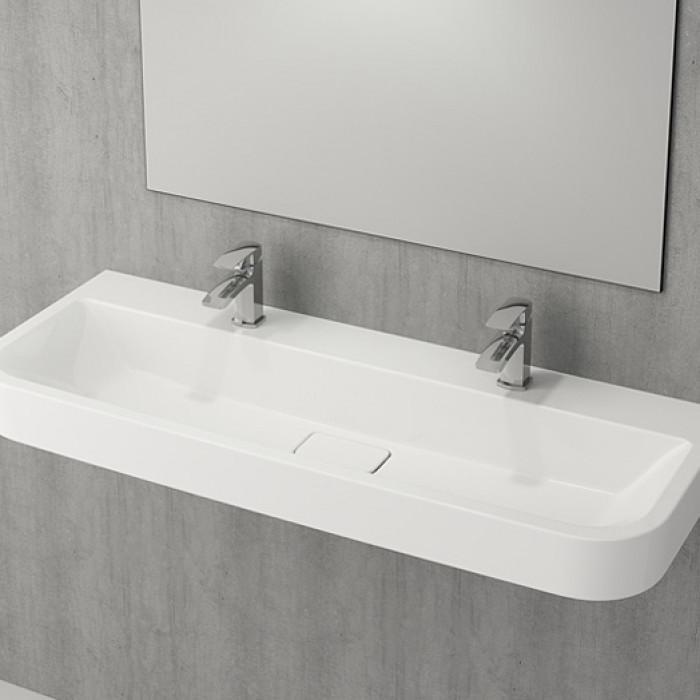 Модерната баня се превръща в споделено пространство
