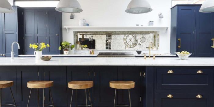 Дръзка кухня в тъмни цветове? 7 съвета как я създадете!