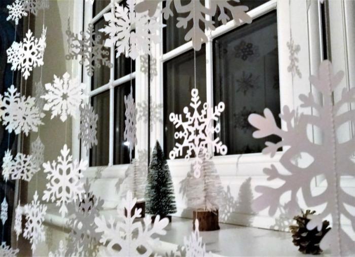 Не подценявайте хартиените декорации за прозореца