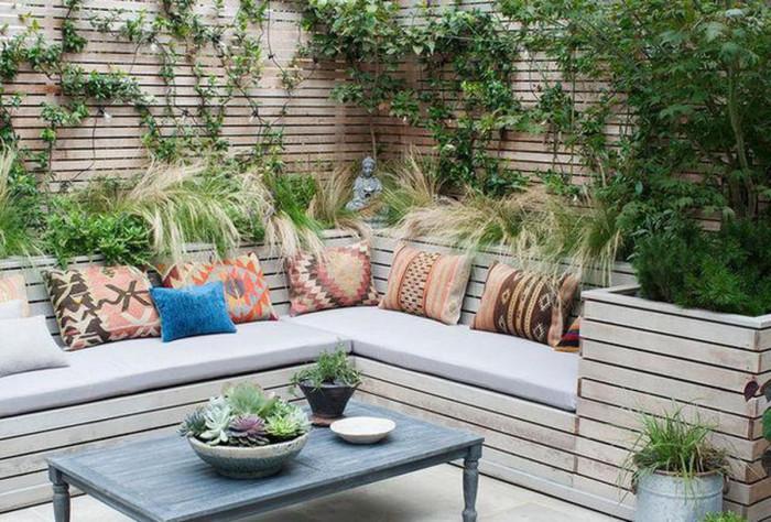 Кът за отдих с мебели от палети