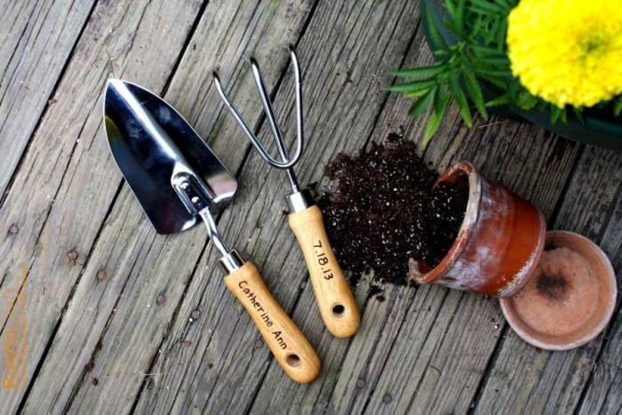 Откъде да се купят градинарски инструменти?