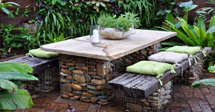 Каменни мебели