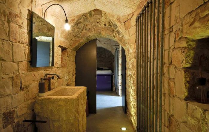 Загадъчна суровост в каменната баня