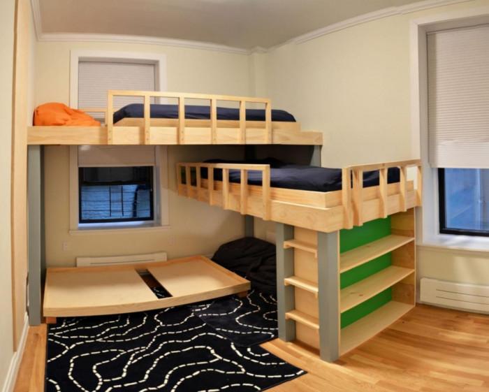 Практични идеи за голямо семейство - триетажно легло, направено от палети