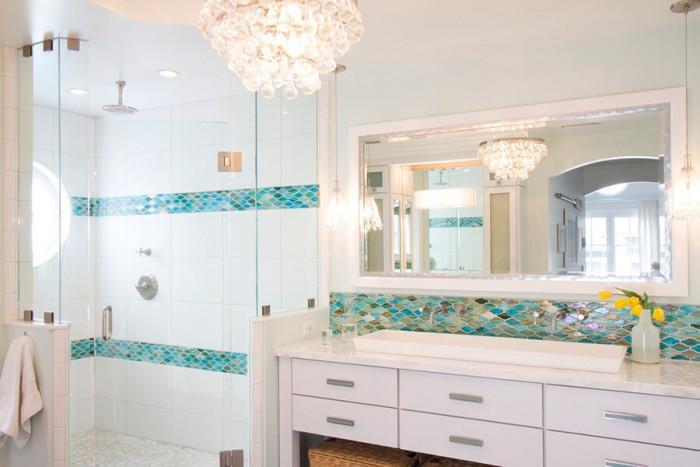 Банята е изчистена и функционална
