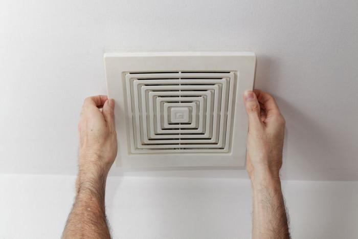 Грешка №4: Липса на внимание към вентилацията в банята
