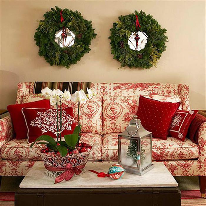 2. Коледни венци и възглавнички