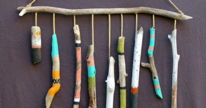 Декорация от изрисувани клони за цвят в ежедневието