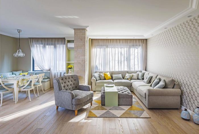 Обединено пространство за кухнята,трапезарията и хола