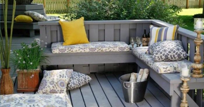 Уютно място за вас и вашите приятели в градината