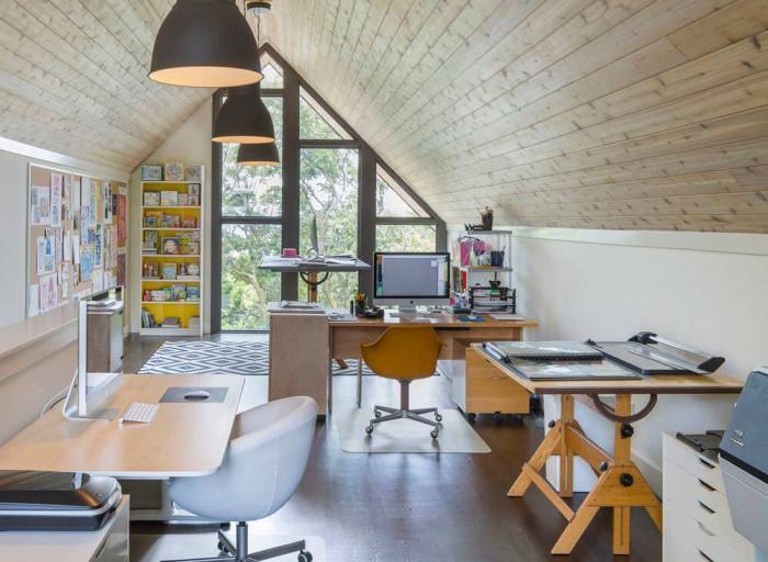 Офис на тавана - кой ли не мечтае за това