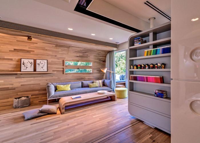 Страхотен апартамент с дървен интериор в Тел Авив
