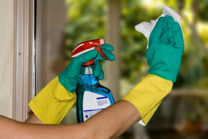 Няколко трика за чистене на прозорци, които може би не знаете