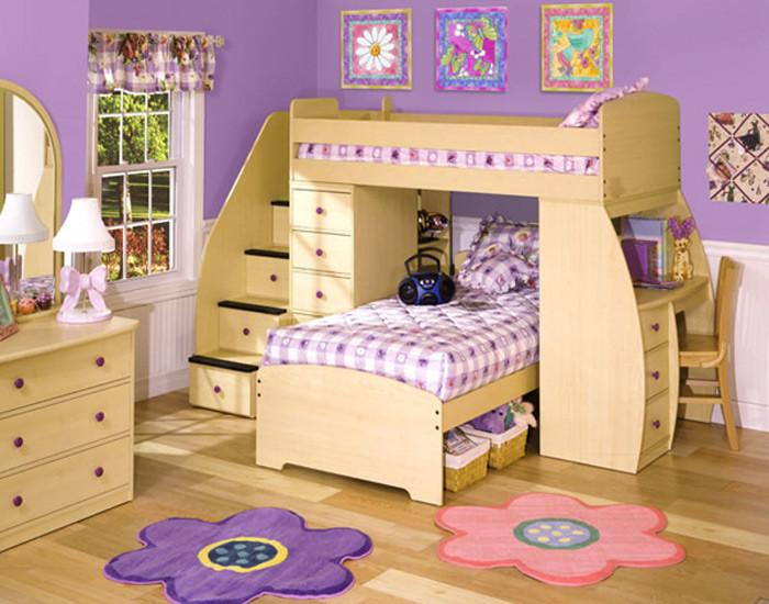 Женско царство с двуетажно легло