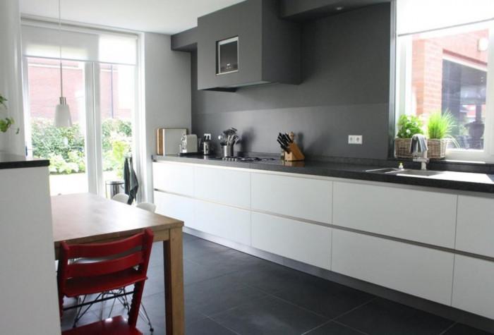 Обърнете внимание на пода и новите технологии в кухнята
