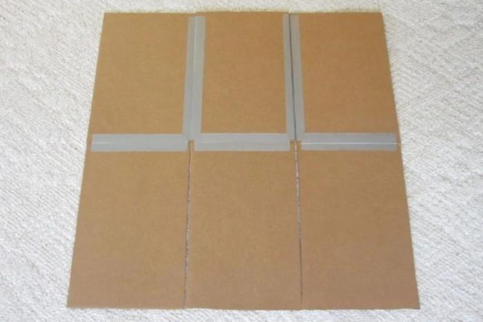 Трета стъпка: Залепете отделните картонени парчета