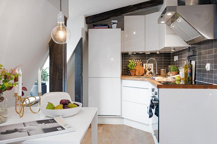 Уникалният кухненски гръб представлява креативен завършек към дизайна на модула