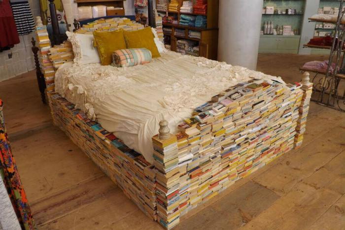Легло от книги