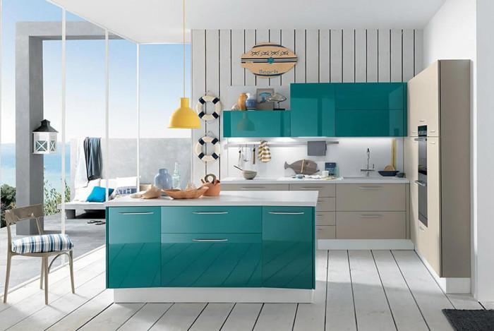Кухня в тюркоазено и бежово – едно невероятно съчетание за съвременния дом