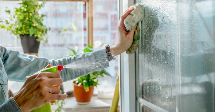 Как да бъдем по-природосъобразни при почистването на дома?
