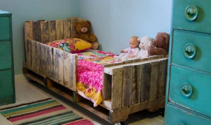 Детско креватче от палети