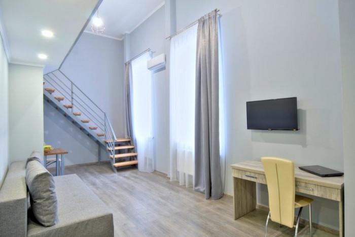 Апартамент в Киев показва нестандартни интериорни решения