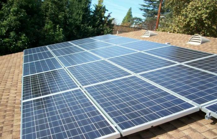 Как да се поставят соларните панели