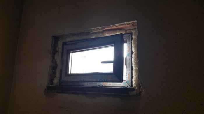 1 прозорец с размери 75х45см