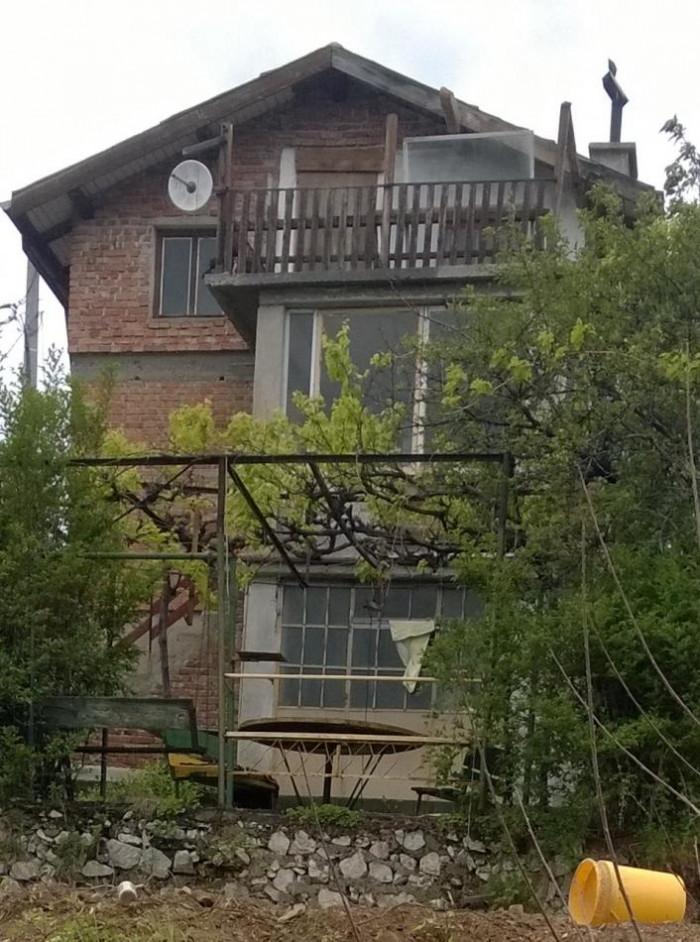 Фасадата в момента