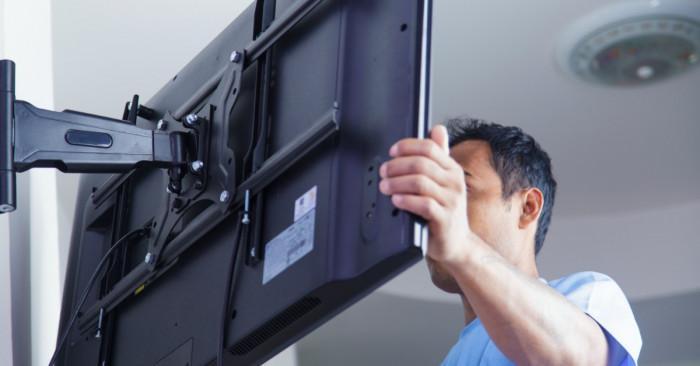Как сами да монтираме телевизора си на стената?