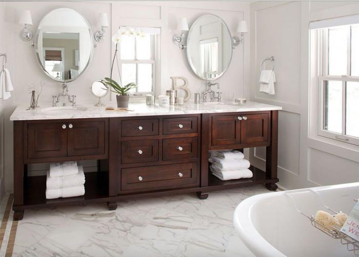 Дървеният материал е чудесна опция за проветривите бани